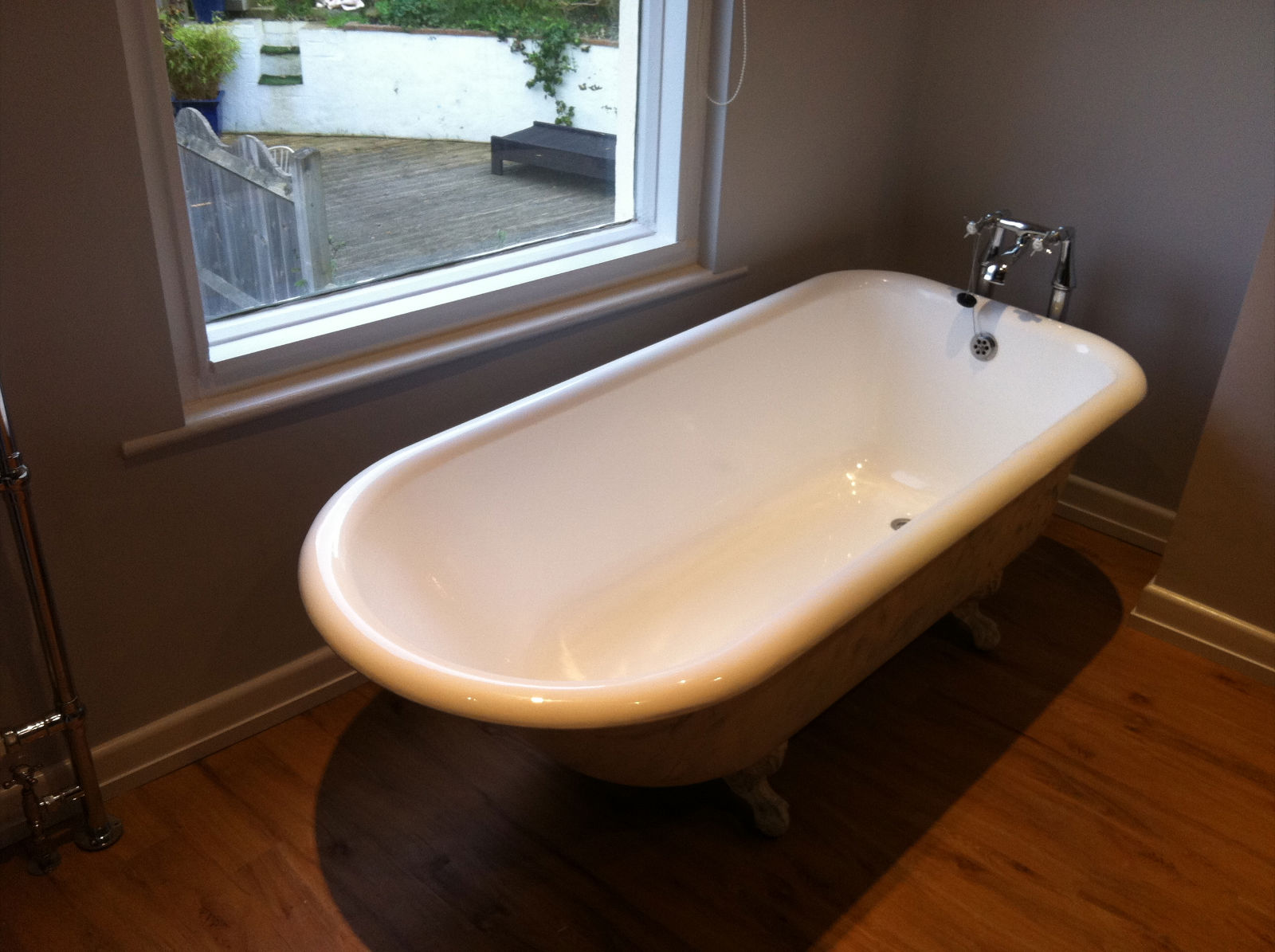 Resurfacing A Bathroom Suitethe Bath Business